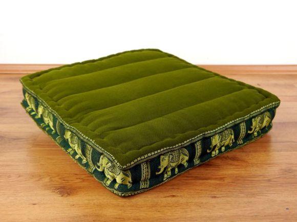 Sitzkissen, Bodensitzkissen mit Seidenstickerei  *grün - Elefanten*