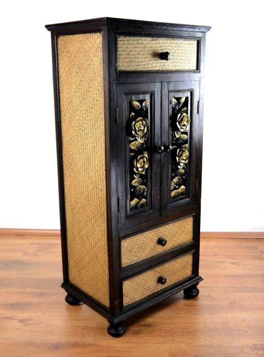 rattanschrank mit blumenschnitzerei thai ambiente. Black Bedroom Furniture Sets. Home Design Ideas