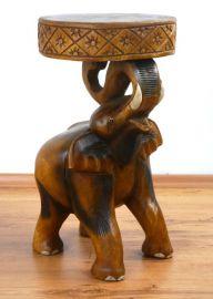 *Elefant mit einem Sitzkissen* aus Massivholz