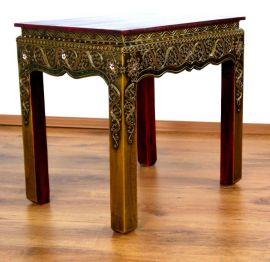Asiatischer Tisch mit *Glasmosaikverzierungen*