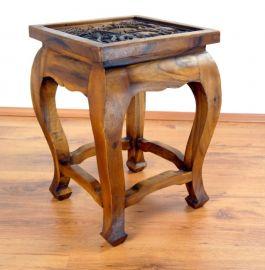Asiatischer Tisch, extra hoch in *braun mit Elefantenschnitzerei*
